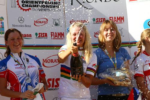 La 4 volte campionessa mondiale junior Svetlana Poverina (qui alla premiazione della middle distance)